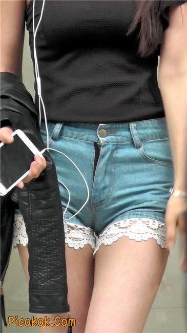 街拍极品蕾丝边小热裤裹胸美女12