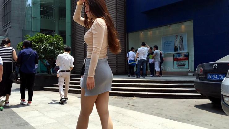 街拍短裙美女,极品翘臀15