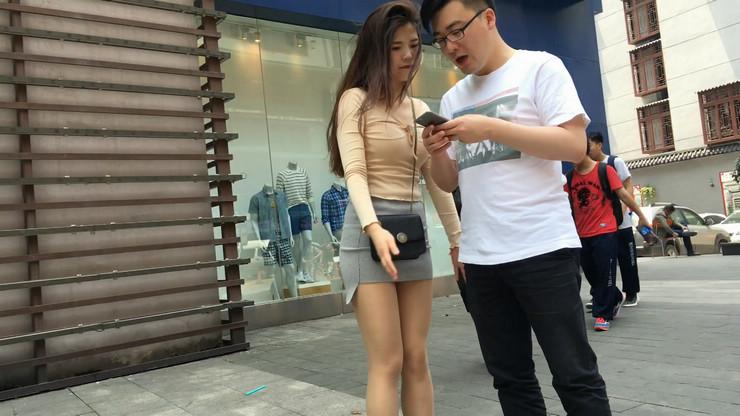 街拍短裙美女,极品翘臀17