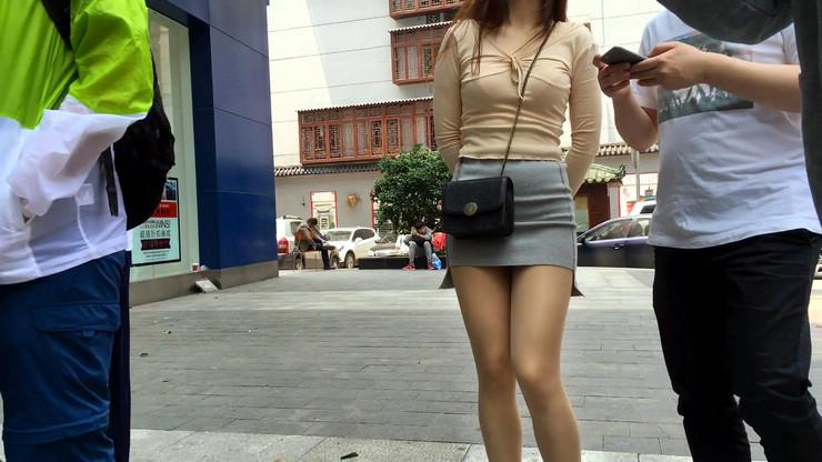 街拍短裙美女,极品翘臀18