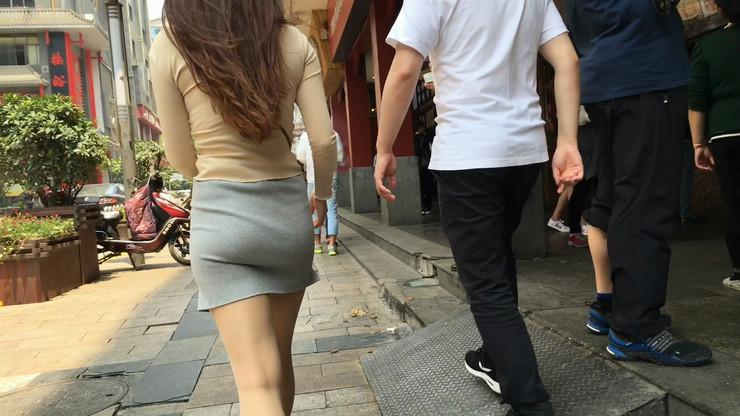 街拍短裙美女,极品翘臀21