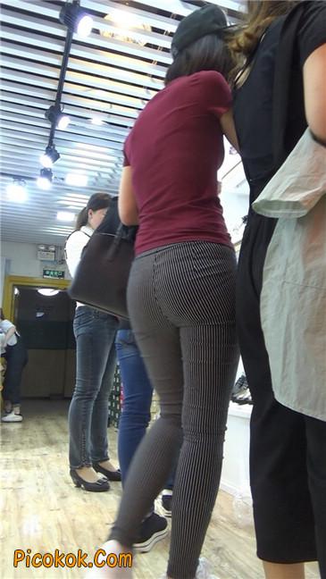 紧身条纹黑裤丰臀美女10