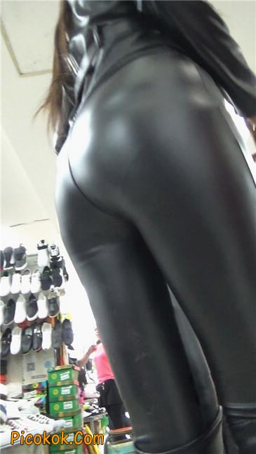 性感紧身皮裤丰臀少妇. 第三季11