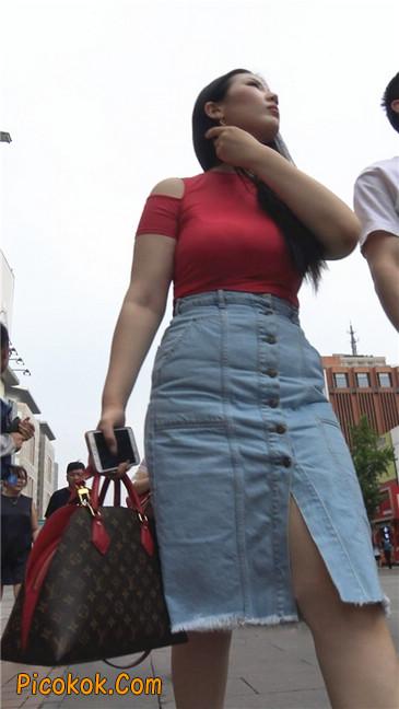 性感红衣大胸美女2