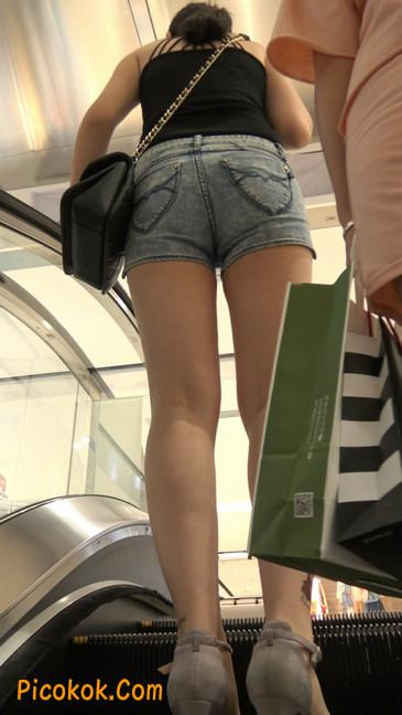脚裸纹玫瑰花的牛仔热裤少妇5