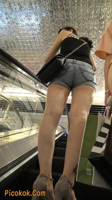 脚裸纹玫瑰花的牛仔热裤少妇6