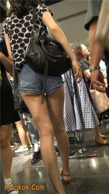 极品大长腿超短热裤露美臀之小美女8