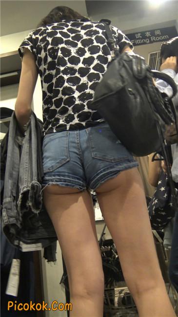 极品大长腿超短热裤露美臀之小美女9