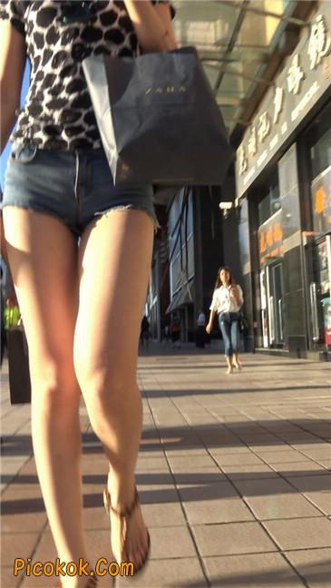 极品大长腿超短热裤露美臀之小美女11