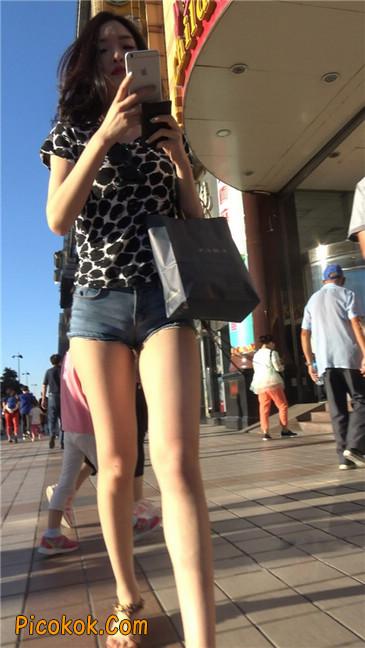 极品大长腿超短热裤露美臀之小美女13
