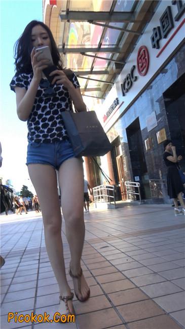 极品大长腿超短热裤露美臀之小美女14