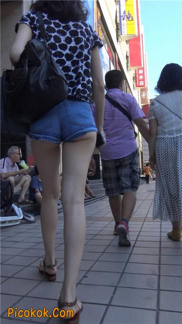 极品大长腿超短热裤露美臀之小美女16