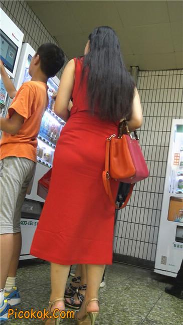 性感红裙金色高跟美臀美女4