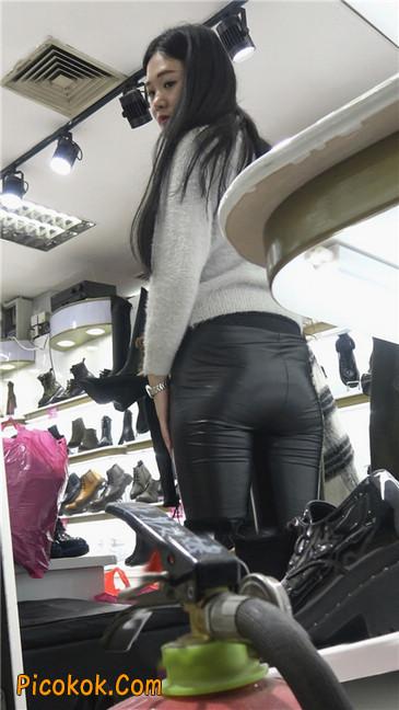 极品圆润之臀紧身皮裤美女4