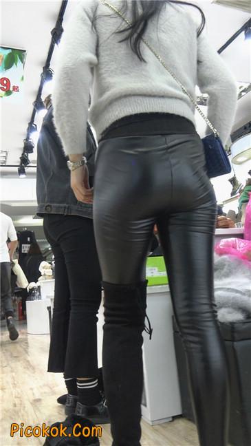 极品圆润之臀紧身皮裤美女8