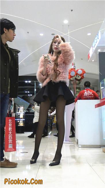 超短裙大长腿黑丝美女1