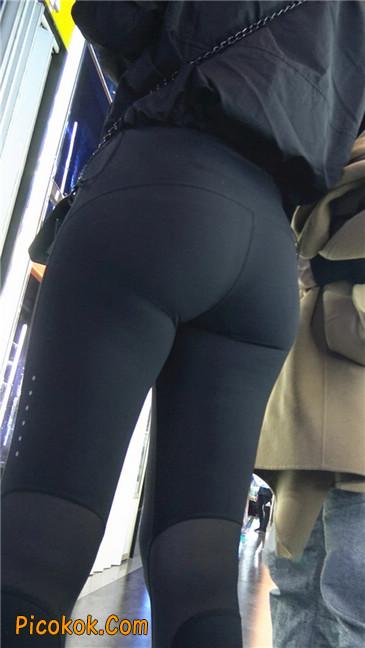 身材出众气质极佳的耐克紧身裤美女第一季2