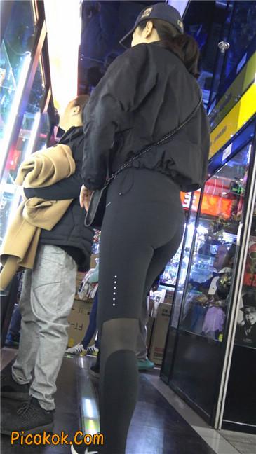身材出众气质极佳的耐克紧身裤美女第一季10