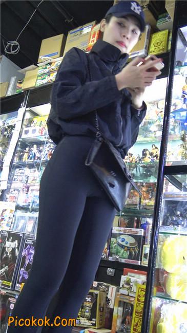 身材出众气质极佳的耐克紧身裤美女第二季13