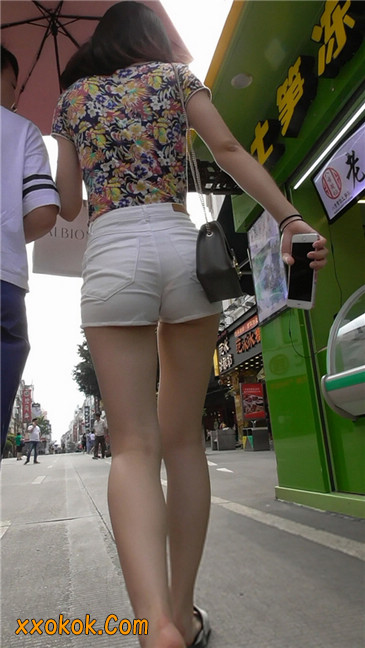 白热裤MM1