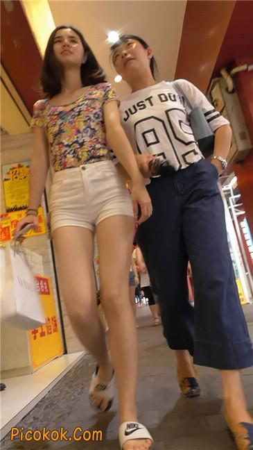 白热裤MM4
