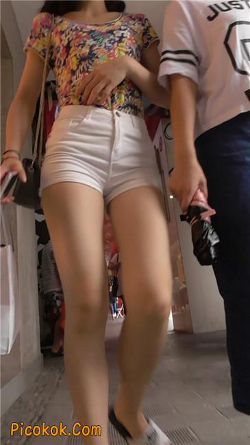 白热裤MM6
