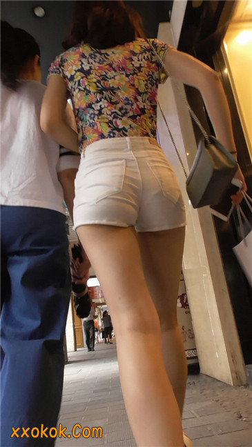白热裤MM8