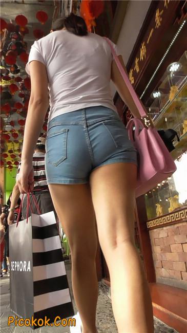 长腿丰臀牛仔热裤MM