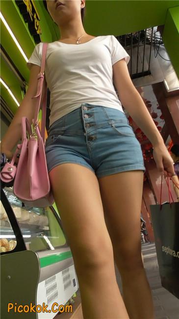 长腿丰臀牛仔热裤MM1