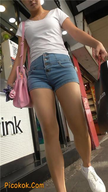 长腿丰臀牛仔热裤MM4