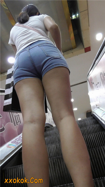 长腿丰臀牛仔热裤MM11