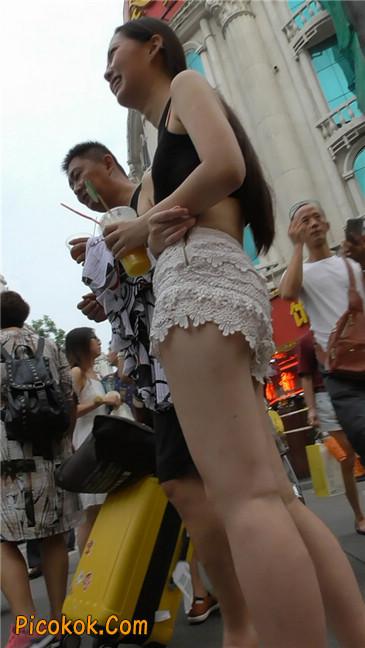 白热裤母女竞风骚5