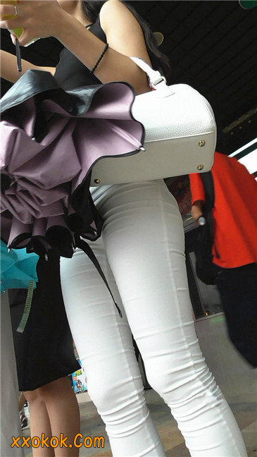 极品白裤翘臀学妹7