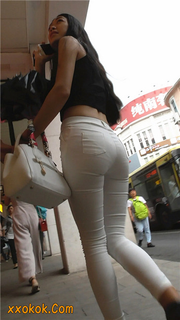 极品白裤翘臀学妹18