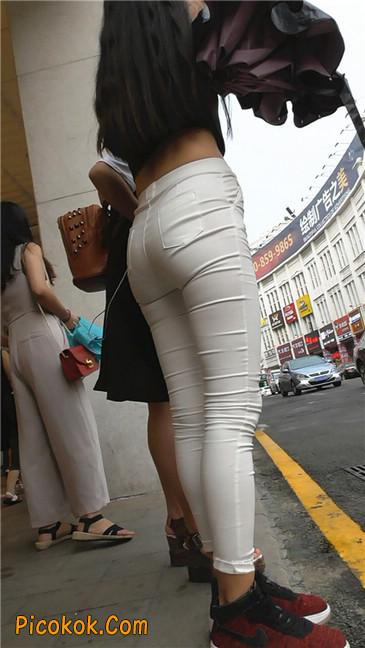 极品白裤翘臀学妹21