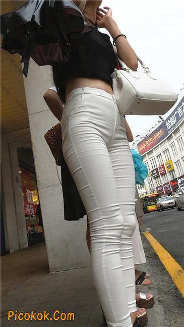 极品白裤翘臀学妹22