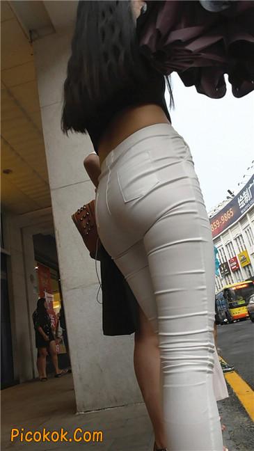 极品白裤翘臀学妹23