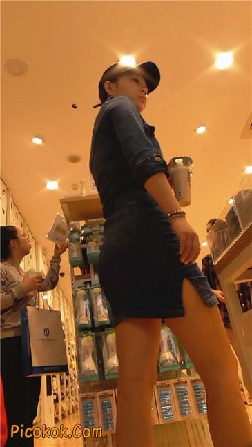 丰满紧身牛仔裙少妇5