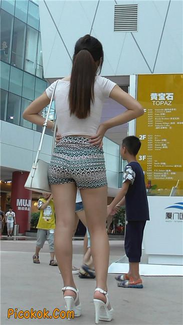 花热裤少妇1