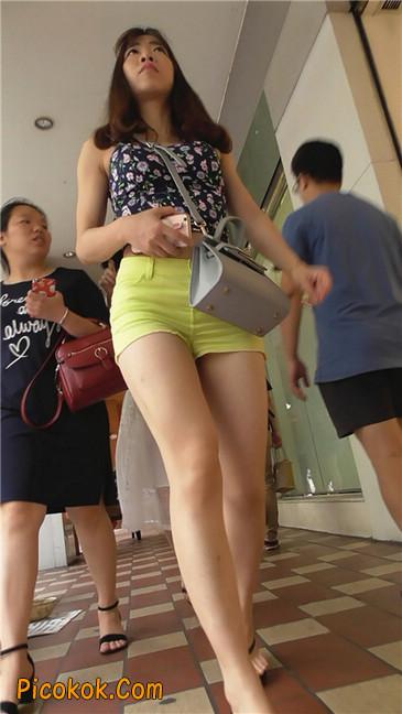 黄色热裤MM1