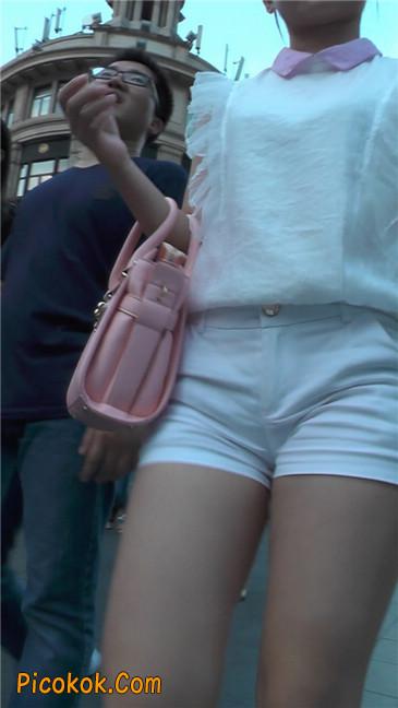 紧身白色热裤丰臀MM2