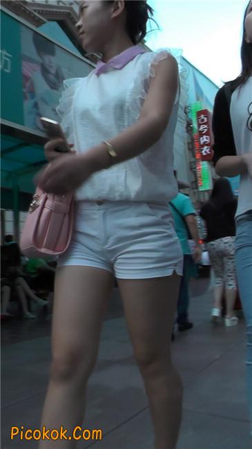 紧身白色热裤丰臀MM3