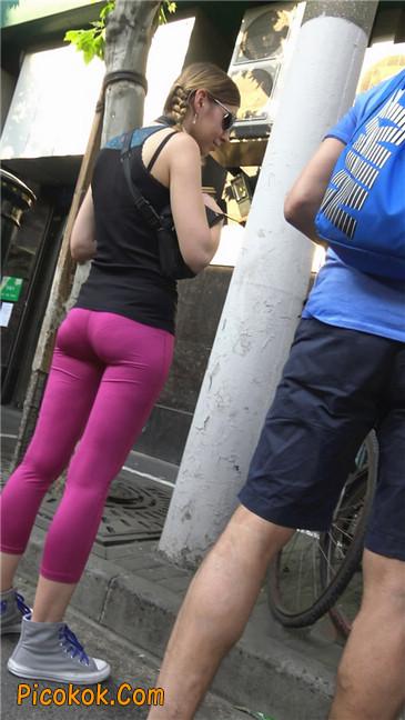极品粉红紧身瑜伽裤美女12