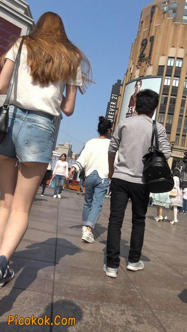 超短蓝牛热裤外国美女