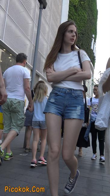 超短蓝牛热裤外国美女7