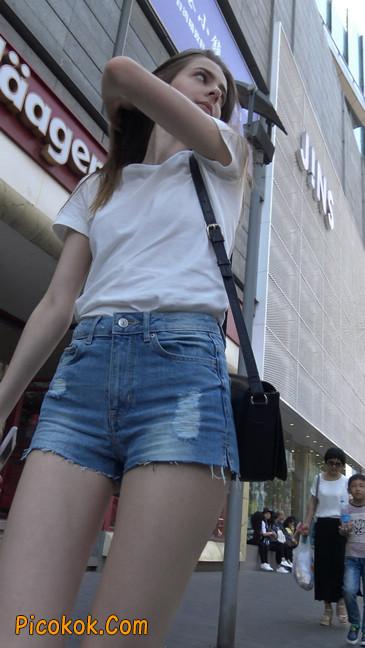 超短蓝牛热裤外国美女8