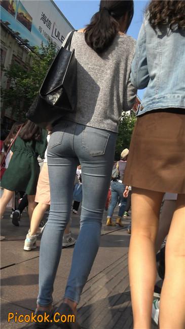 极品翘臀长腿紧牛美女
