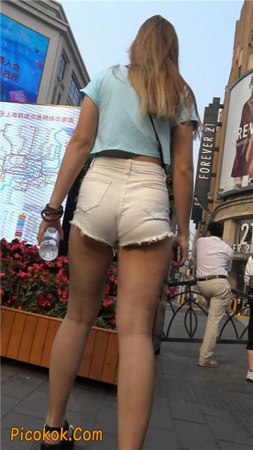 超短热裤两辣妹2