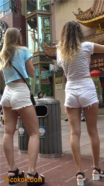 超短热裤两辣妹12