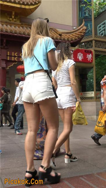 超短热裤两辣妹15